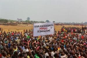 Renamo kampanj ner med kommunismen